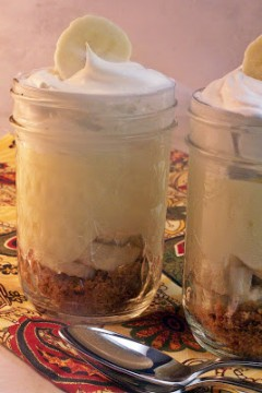 Last Minute OMG We Have Visitors Banana Cream Pie Parfaits from cravingsofalunatic.com- Super easy and quick to make. This is something I whip up on the fly when company shows up at the door without warning. You'll love these little treats, and so will your guests! (@CravingsLunatic)