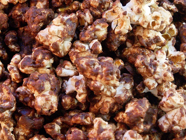 Turtle Popcorn | Cravings of a Lunatic | #chocolate #turtles #popcorn #candy #snacks #tailgate #footballfood #gameday