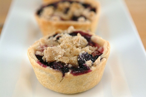 Very Berry Cheesecake Pie Bites: Guest Post by Whipped