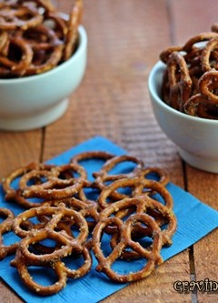 Taco Seasoned Pretzels {Slow Cooker} | Burning Down The Kitchen with Bake Your Day