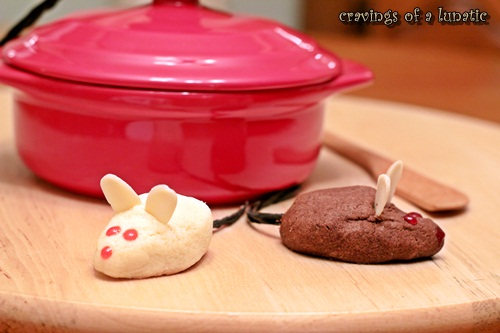Mice Cookies are adorably cute for the holiday season. Super easy and fun to make!