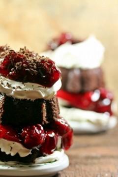Black Forest Mini Bundt Cakes #Bundtamonth