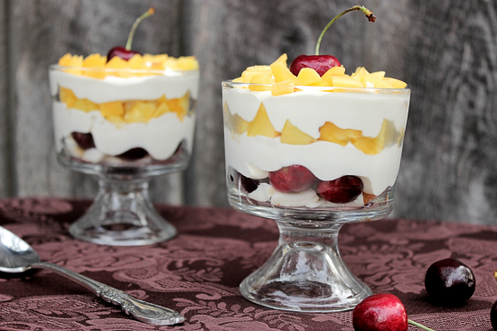 Mini Peach and Cherry Trifles from Big Bear's Wife