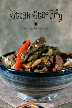 Easy Steak Stir Fry in a blue bowl