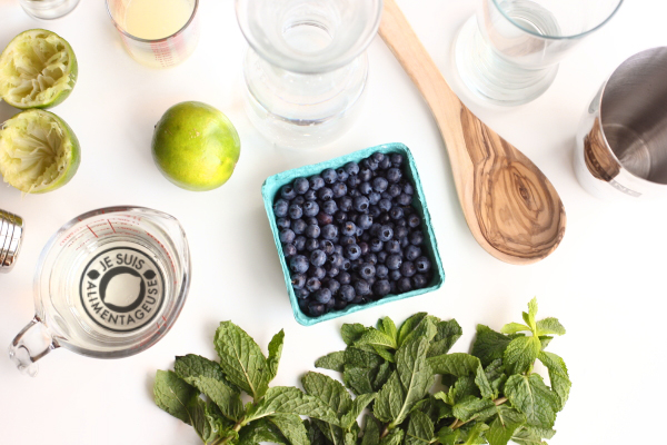 Wild Blueberry Mojitos | Guest Post by Je suis alimentageuse on Cravings of a Lunatic