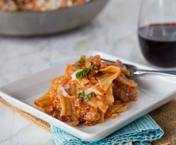Easy Weeknight Lasagna from Dinners, Dishes, and Desserts- featured on cravingsofalunatic.com- Weekly Meal Plan # 18! (@CravingsLunatic)
