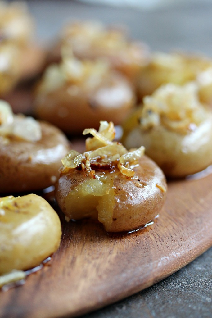 Smashed Potatoes with Onions and Garlic from cravingsofalunatic.com- There is nothing better than Smashed Potatoes for a fabulous side dish at any dinner. This variation used onions and garlic for added flavour. This recipe is going to knock your socks off! (@CravingsLunatic)