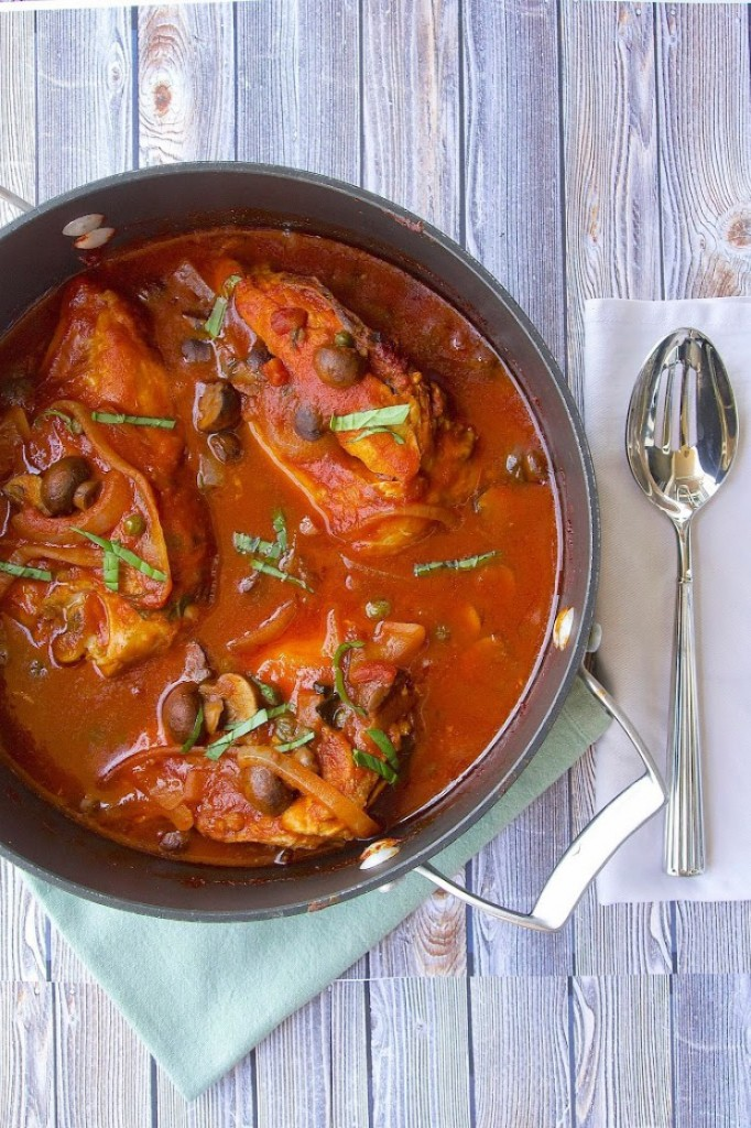 Slow Cooker Chicken Cacciatore – Culinary Ginger, featured on cravingsofalunatic.com for our Slow Cooker Recipe Round Up Collaboration. (@CravingsLunatic)