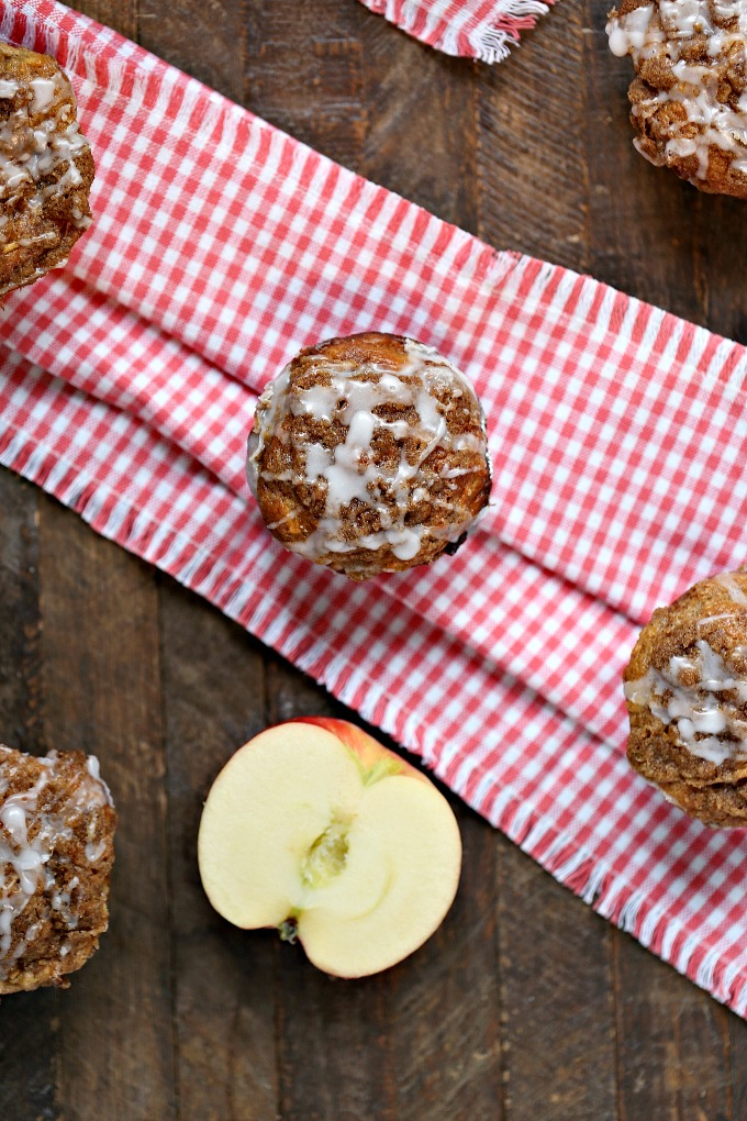 Cookie Butter Apple Cinnamon Muffins covered with Streusel Topping using SweeTango apples!